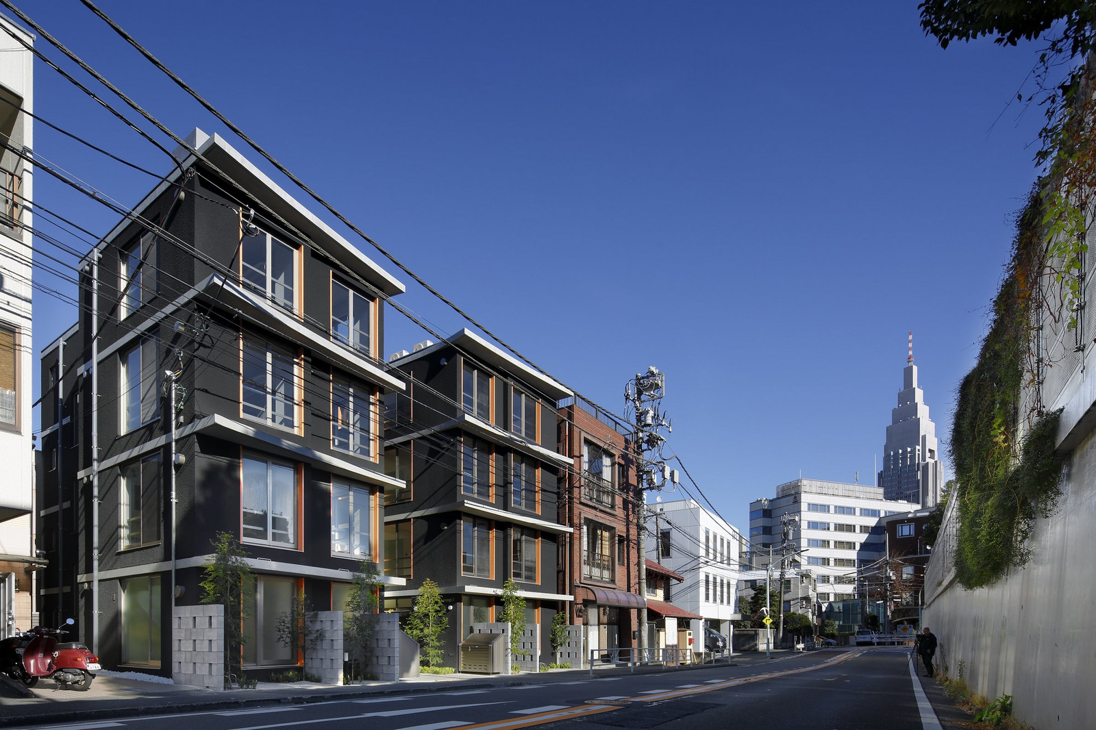1243,44-apartment KURO 代々木Ⅱ・Ⅲ